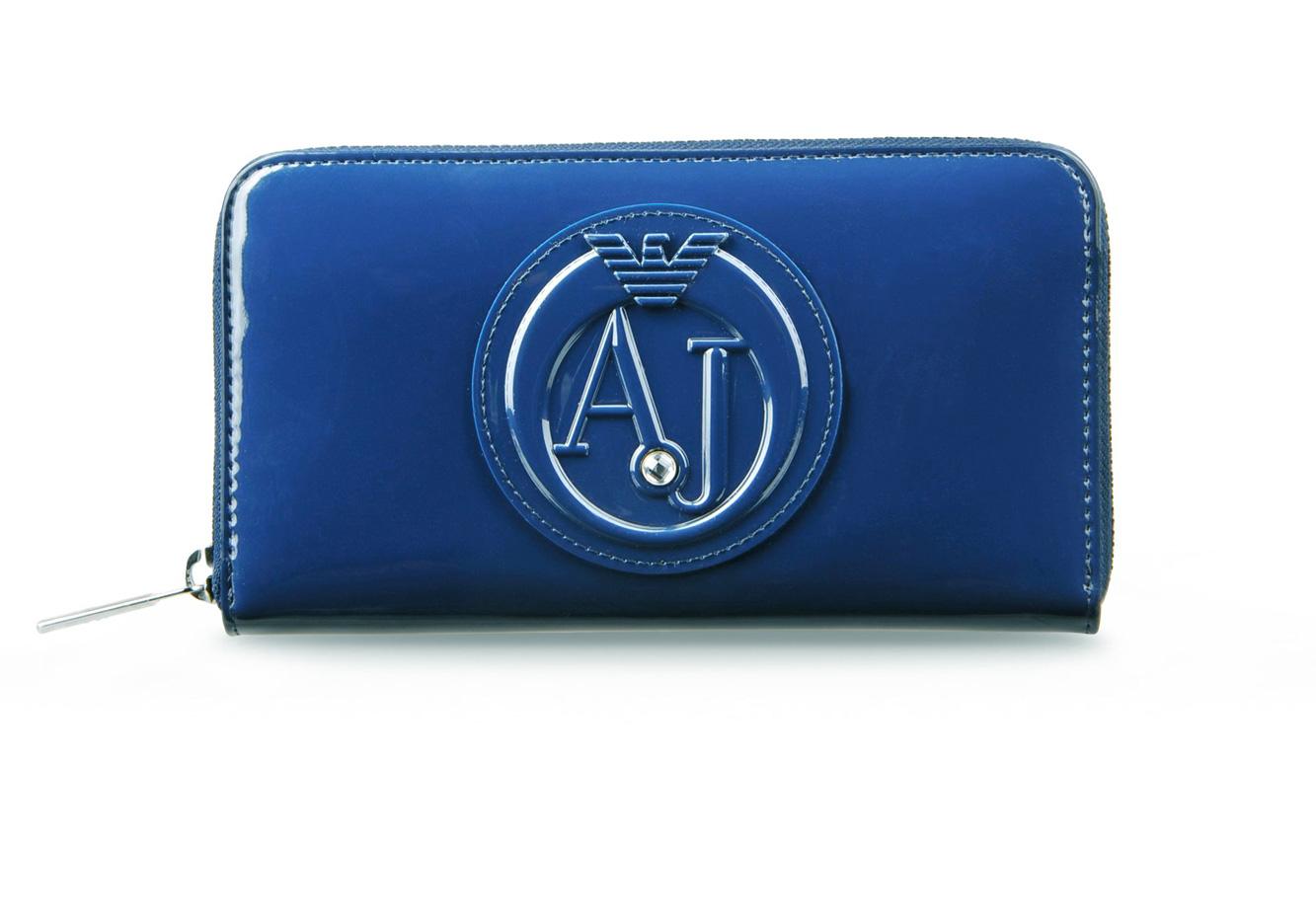a4ab4cc2d6 AJ - Armani Jeans PORTAFOGLIO ZIP AROUND IN ECO VERNICE CON LOGO ...